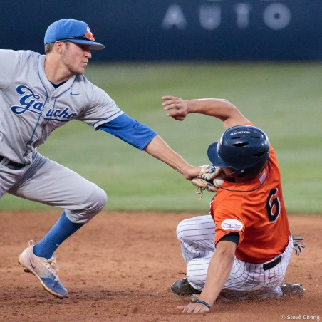 Scott Hurst beats the tag to steal 2nd base in the 5th inning. CSUF defeated UCSB 8-4, Fullerton, CA, May 12, 2017.