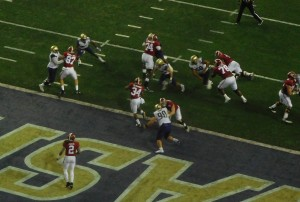 Damien Harris (34) stopped for no gain to start the Crimson Tide's 99-yard drive.