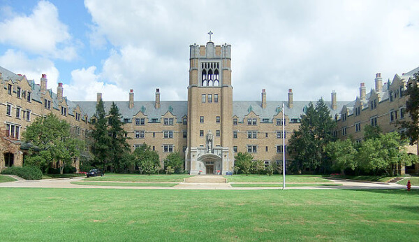 CM's Guide to Saint Mary's College - College Magazine