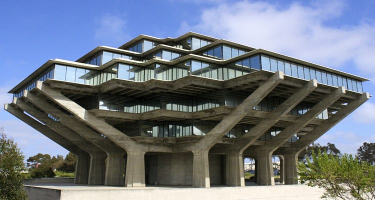 50-amazing-libraries-geisel-library