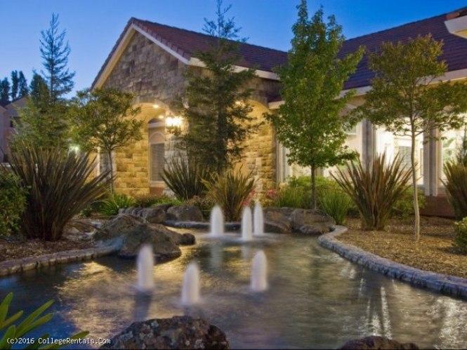 Windsor At Redwood Creek Apartments In Rohnert Park California
