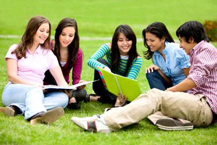 estudiantes en proceso de becas