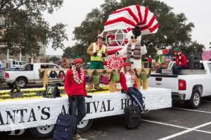 christmas-parade-float-1024x682