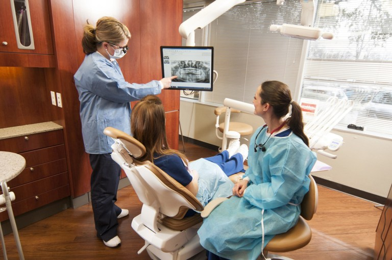 Collin College Dental Hygiene Students Achieve 100 Percent Pass Rate on National and Regional Boards