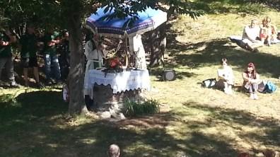 Don Ezio celebra la Messa