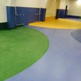 Comedor colegio con pavimento vinílico (PVC) Premium