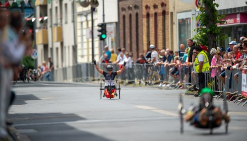 LONGERICH, GERMANY - JUNE 10: Andrea Eskau of GER celebrating her win prior to passing the finish line at the Race Track - Longericher Hauptstrasse during the Cologne Classic 2019 - Road Races - Strassenrennen on June 10, 2019 in Longerich, Germany (Photo © 2019 Oliver Kremer | https://sports.pixolli.com)