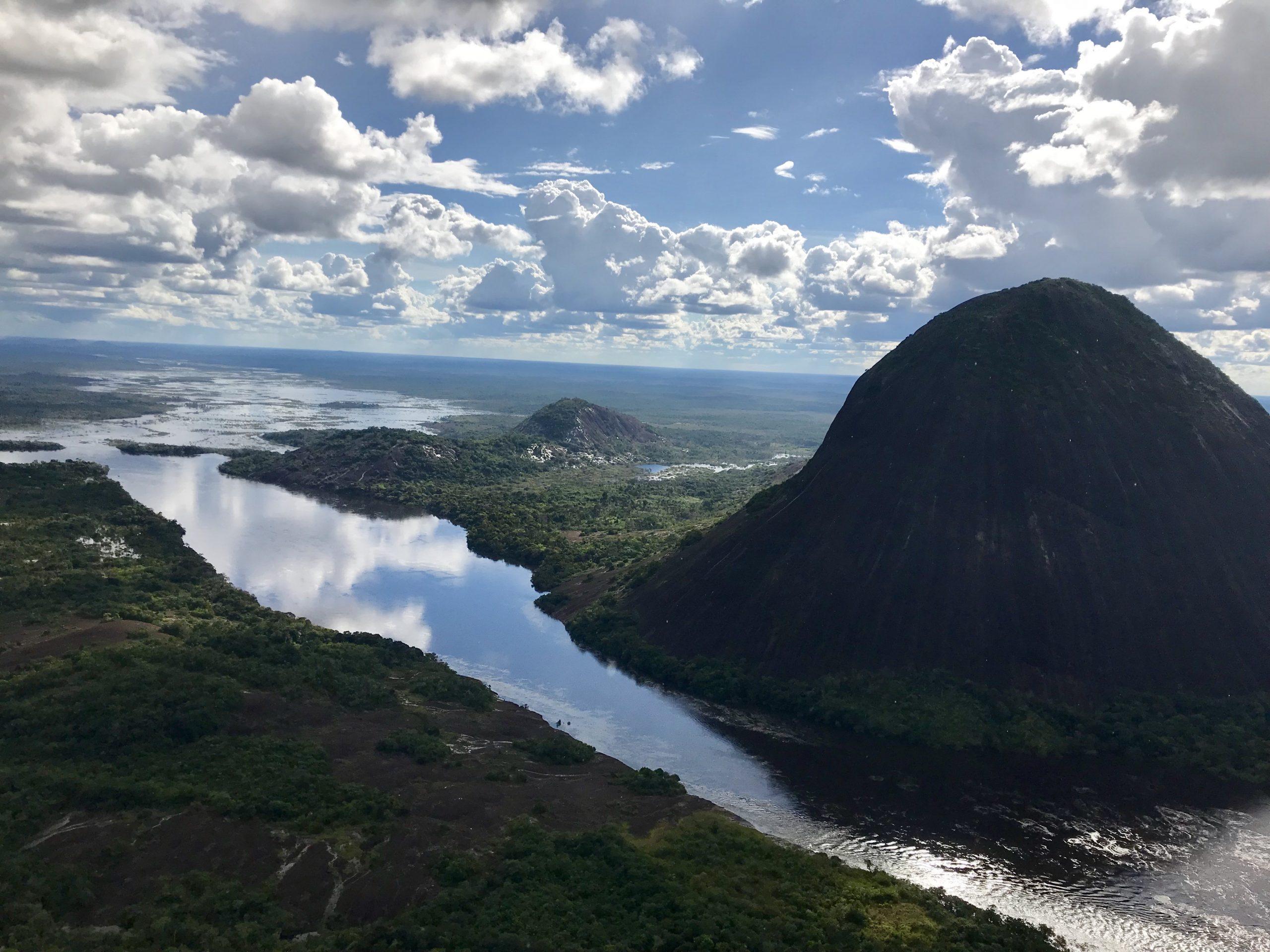 Guainía, selva, ríos y comunidades indígenas con mucha magia
