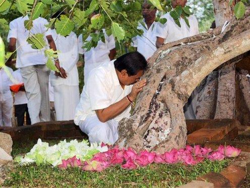 mahinda_rajapaksa_anuradhapura