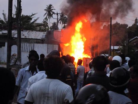 Aluthgama Muslims attacked
