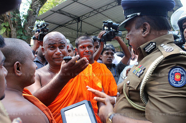 CID Questions Gnanasara And Dayarathana – Colombo Telegraph