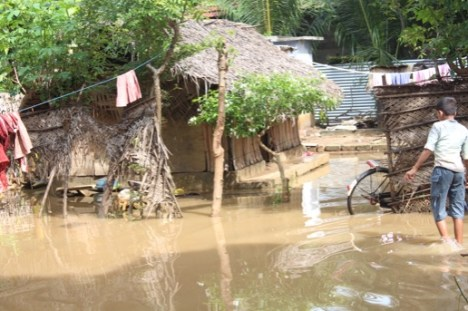 Photo: by Thanges Paramsothy, an IDP camp in Jaffna affected by the recent flood