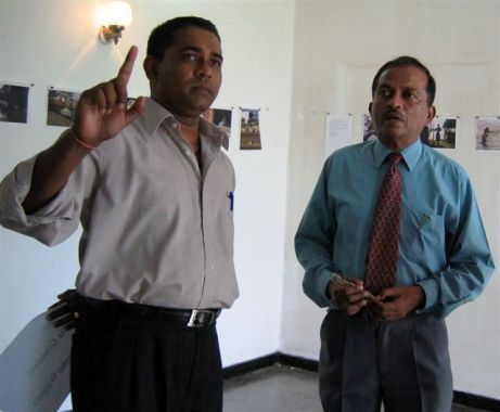 Ranga Kalansooriya, Co-ordinator, Sri Lanka College of Journalism shares his thoughts with the Director of Sri Lanka College of Journalism Dr. Uvais Ahamed in 2005