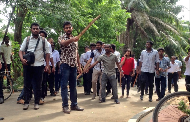 Jaffna students' clash picture via https-::twitter.com:uthayashalin