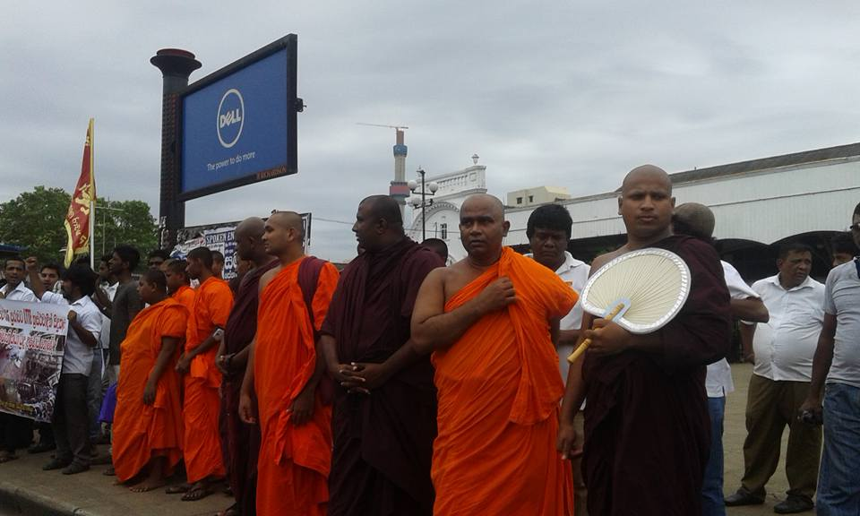 UN Safe House Attack: Infamous Saffron Thug Arrested – Colombo Telegraph