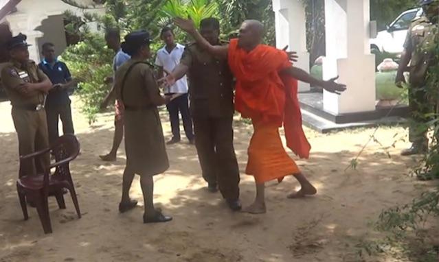 Ampitiye Sumanarathana Thero