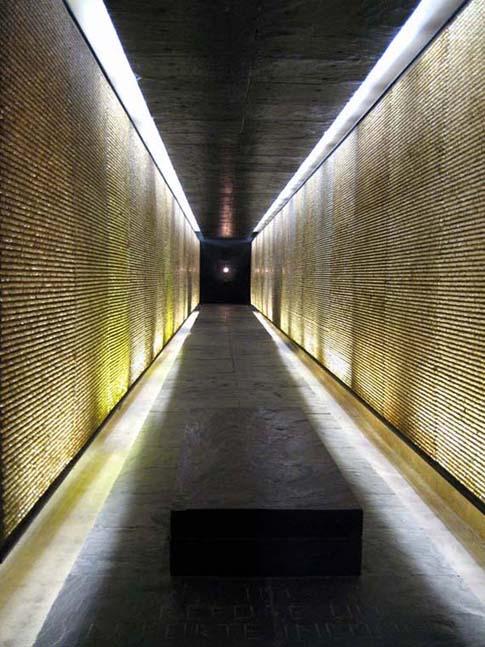 La crypte du monument aux martyrs de la déportation