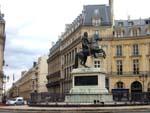 La place des Victoires à  Paris