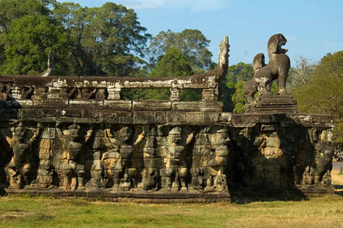 Angkor Thom - Terrasse du Roi Lépreux - Terrace of the Leper King