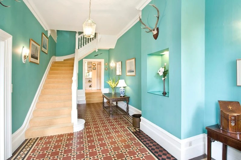 Best Design Ideas And Color Schemes For Hallways
