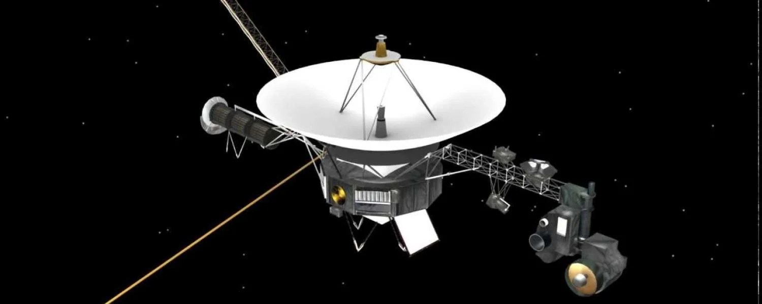 The Voyager spacecraft: 40 years in space, surreal solar ...