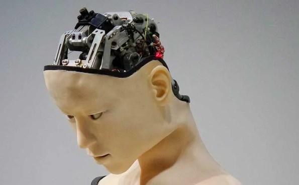 robot head with mechanical brain