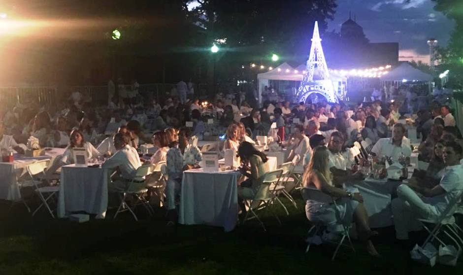 Sold out Dinner in White supports GI cancer research