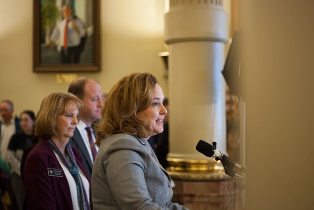 Bill to regulate oil and gas advances, pitting pro-environment Dems and pro-business GOP