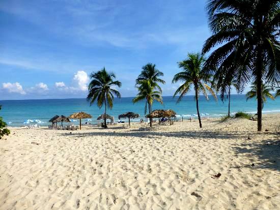 Playas del Este (A 20 km de La Habana con bus directo)