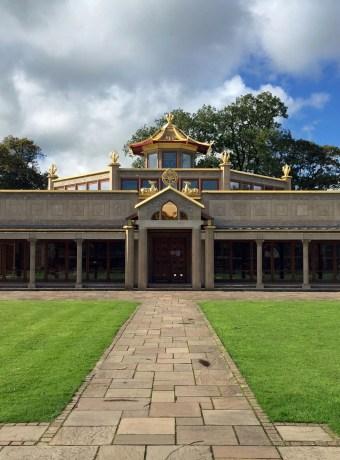 Buddhist Temple 1920x1440