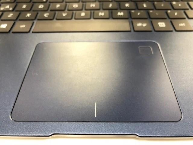 ASUS-ZenBook-UX430UA_5705