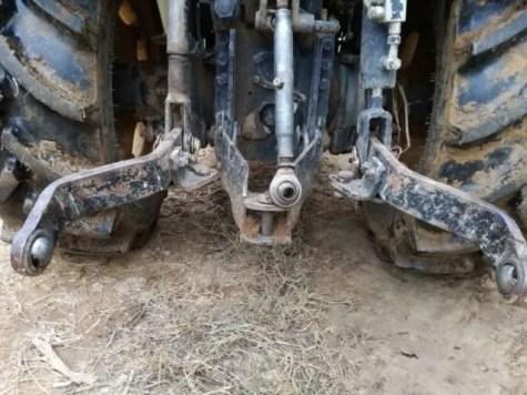 Attacco a tre punti del trattore per il ripuntatore