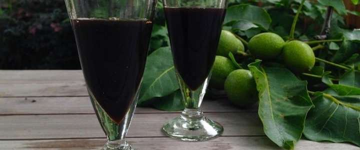 Nocino liquore tradizionale