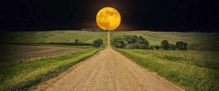 Luna del mese di agosto