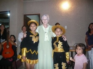 Bridie joined by two young Peruvian dancers