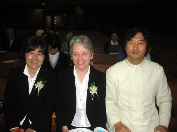 ...then with everything ready for the actual ceremony, there is time for the parish priest, Fr Anthoney Kim, to join Sisters Erisa and Ann Gray for a photo