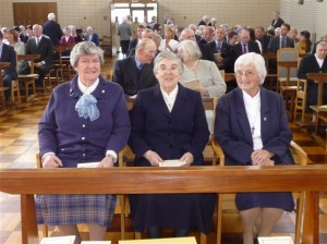 Before Mass begins the three Jubilarians as guests continue to arrive.