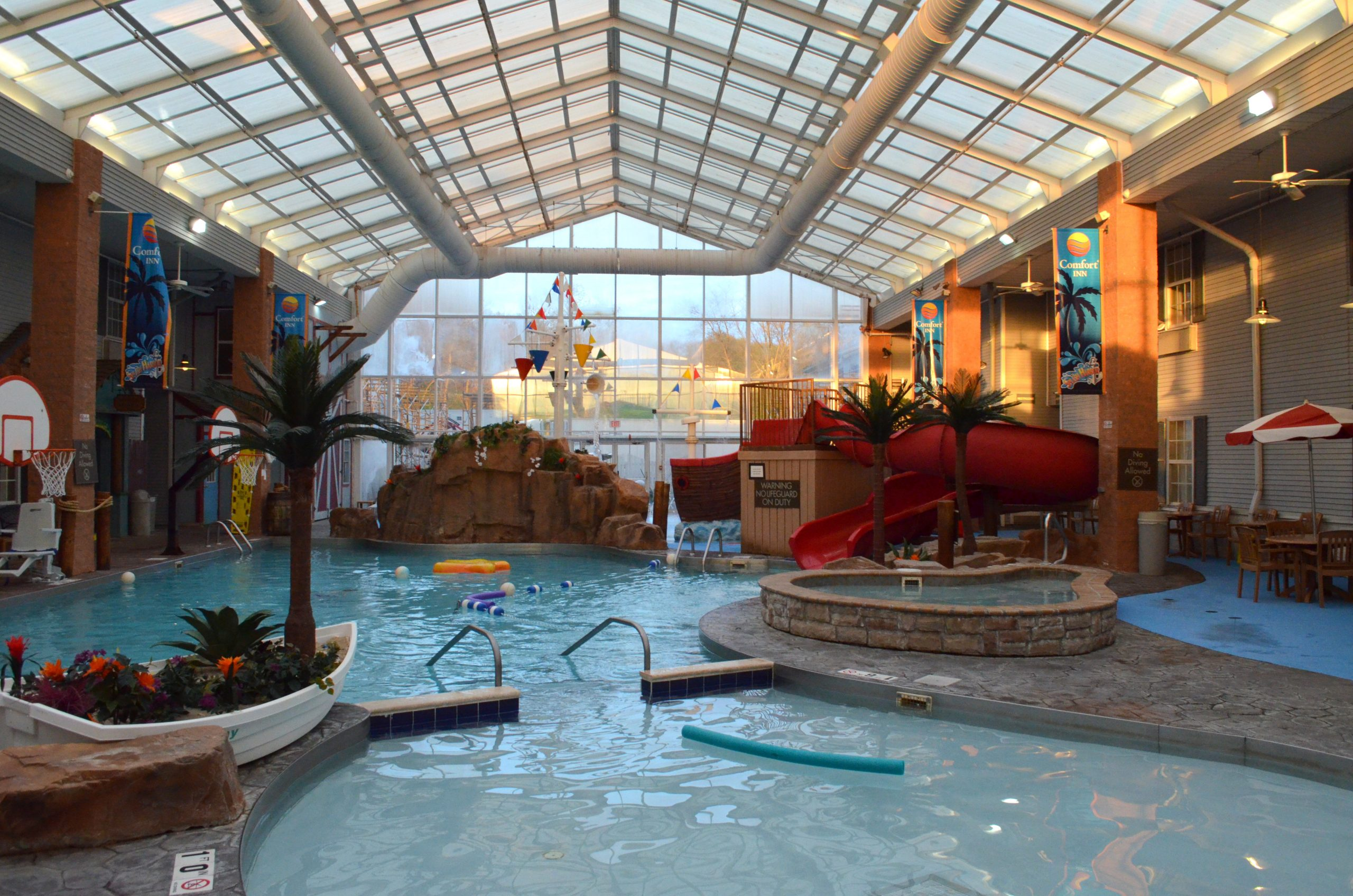 Fun Family Getaway Comfort Inn Splash Harbor In Bellville