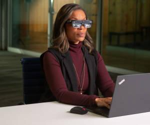 Lenovo zeigt auf CES Smart-Brille