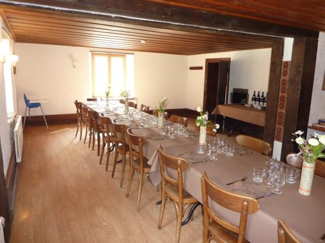 Grande salle pour 40-50 personnes
