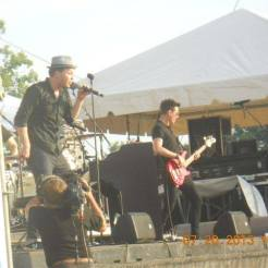 gavin-degraw-and-his-band-at-2013-funfest-festival_9412827388_o