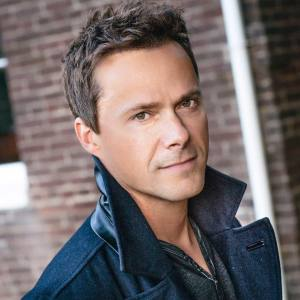 Hire Bryan White country singer booking agency