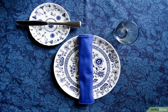 Immagine titolata Set a Dinner Table Step 2