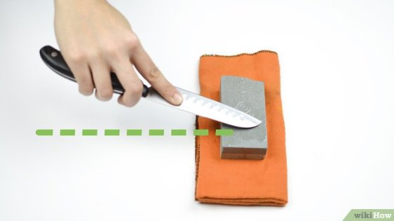 Immagine titolata Sharpen a Knife With a Stone Step 9