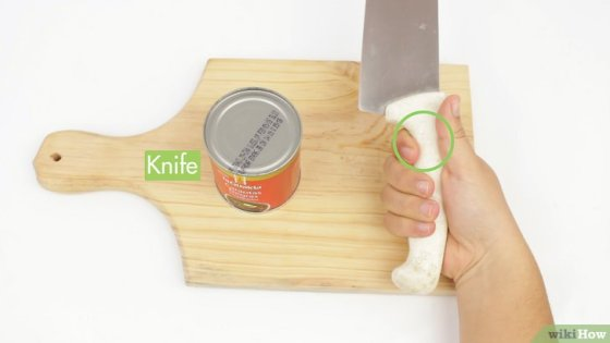 Immagine titolata Open a Can Without a Can Opener Step 14