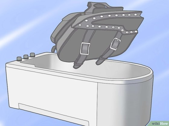 Immagine titolata Repair or Reshape Your Motorcycle Saddlebags Step 1