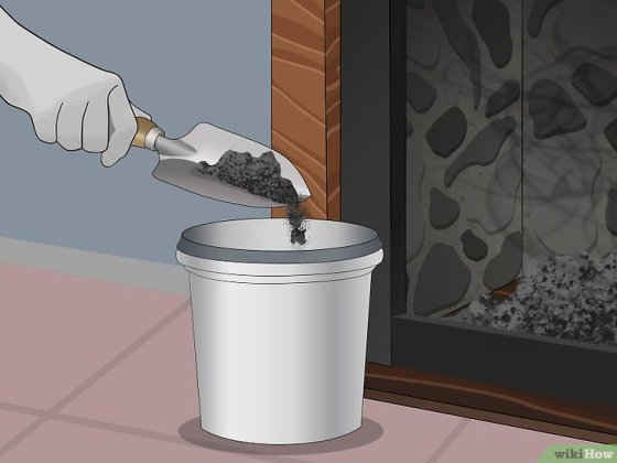Immagine titolata Dispose of Burnt Firewood and Ash Safely Step 3