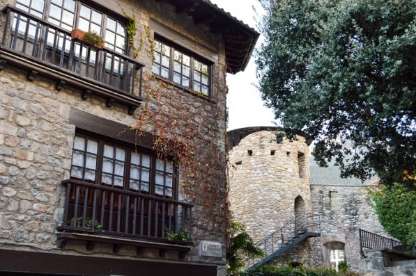Bag 224 Charming Medieval Town In The Pyrenees Come Join