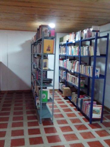 Interior de la Biblioteca del Batallón de Infantería #23 en Bahía Solano