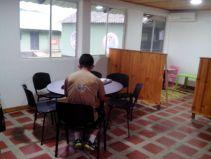 La comunidad aprovecha la Biblioteca del Batallón de Infantería #23 en Bahía Solano